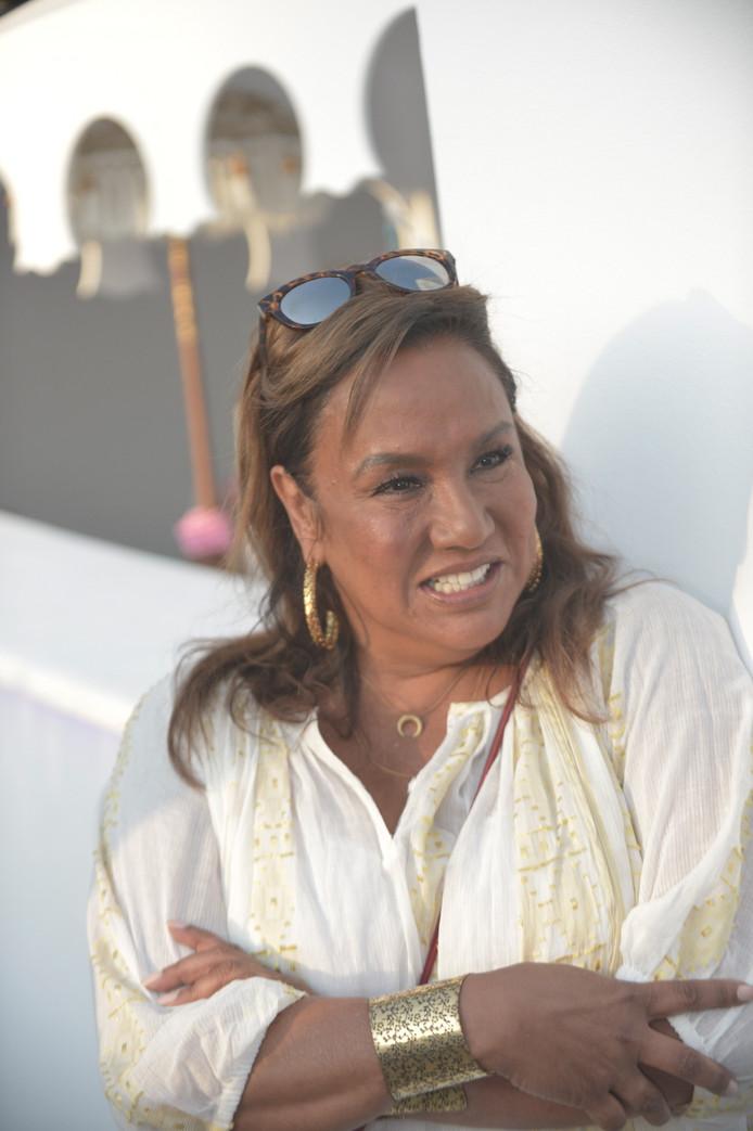 Patty woont met haar man Antoine op Ibiza.