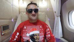 Binnenkijken in de nieuwe first class suites van Emirates met vlogger Casey Neistat