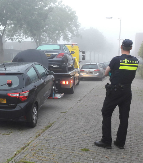Satudarah-verdachten in volledige beperking, invallen in twee huizen en garageboxen in Tilburg