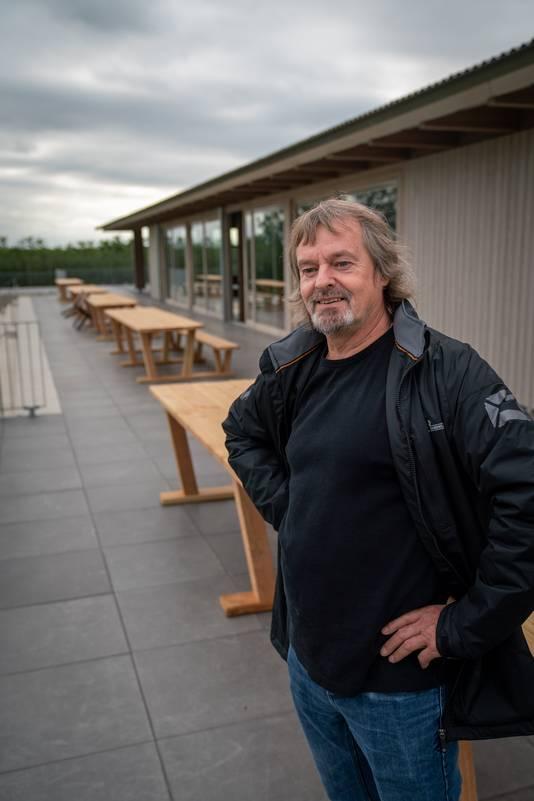 Randwijk 0909- Gerrit van der Meijde is voorzitter van EMM en voortrekker van nieuw dorphuis/voetbalkantine /212769