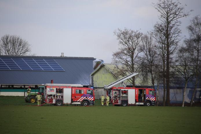 De brand vond plaats op een erf aan de Ooievaarsweg in Zeewolde.