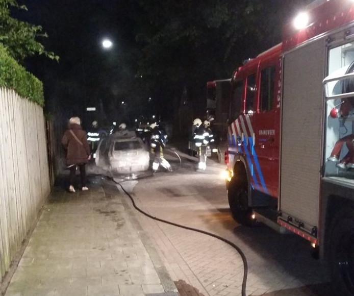 De brandweer in actie aan de Satunusstraat.