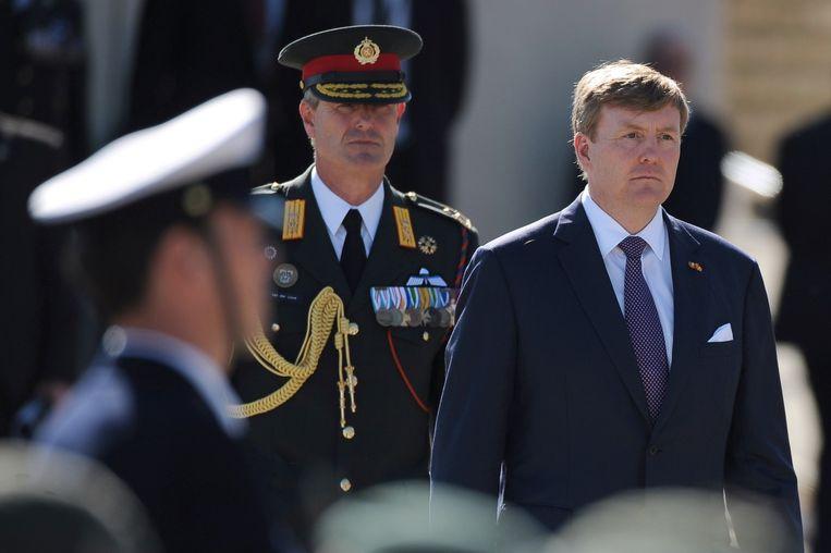 Koning Willem-Alexander tijdens de herdenkingsceremonie in Arromanches. Beeld afp
