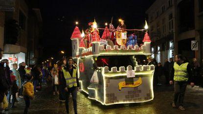 Zestig verlichte wagens voor carnavalsstoet