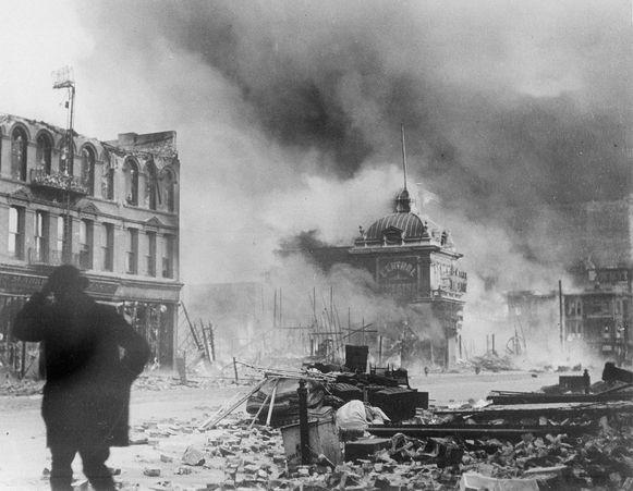 18 april 1906. San Francisco staat in brand na een zware aardbeving.