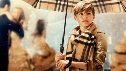 Schrap de ruitjes en Burberry wordt hip: hoe nieuwe ontwerper luxehuis weer adem geeft