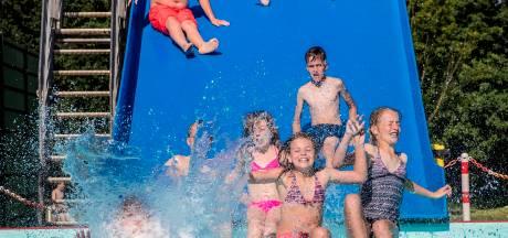 Zwembad Loenen na dubbele pech net op tijd open voor zwemvierdaagse