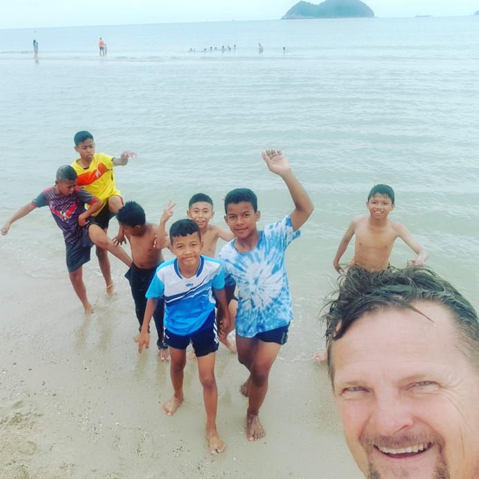 Na het verloren toernooi plezier aan zee