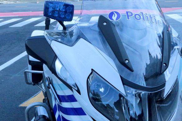De politie liet het voertuig van de man takelen.