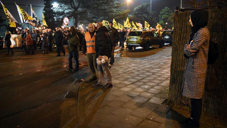 Vlaams Belang protesteert in Antwerpen tegen de komst van een nieuwe moskee. Beeld Marcel van den Bergh / de Volkskrant