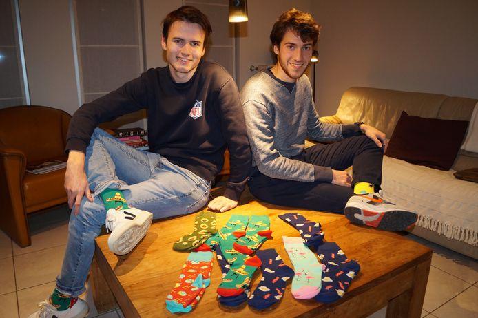 Ward Haeck en Arthur De Volder van Socksurprise met hun eerste ontwerpjes.