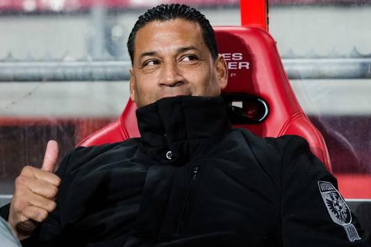 Henk Fraser zaterdag tijdens de wedstrijd van Vitesse bij FC Twente.