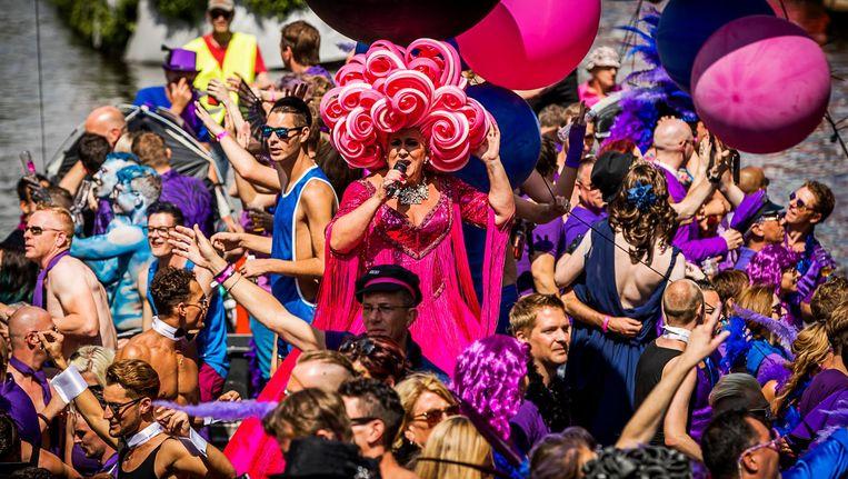 'Het zien van Gay Pride kan zeker een helende werking hebben,' aldus de burgemeester. Beeld anp