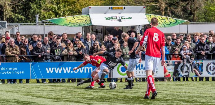 Ook in Neede werd de derby met Lochuizen goed bezocht vorig seizoen.