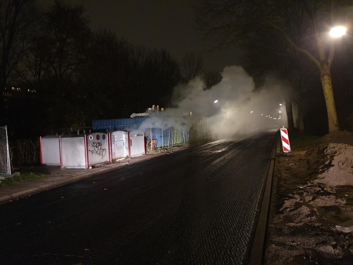 Brand in een papiercontainer op de Weg van de Vrijheid in Amersfoort.