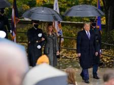 Melania Trump woont Veteranendag bij aan arm van militair in plaats van eigen man