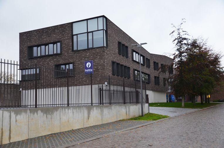 Het nieuwe afgewerkte politiecommissariaat in Ninove.