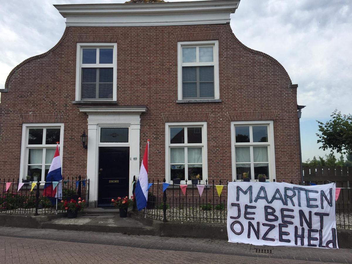 Het huis van Maarten van der Weijden is feestelijk versierd.