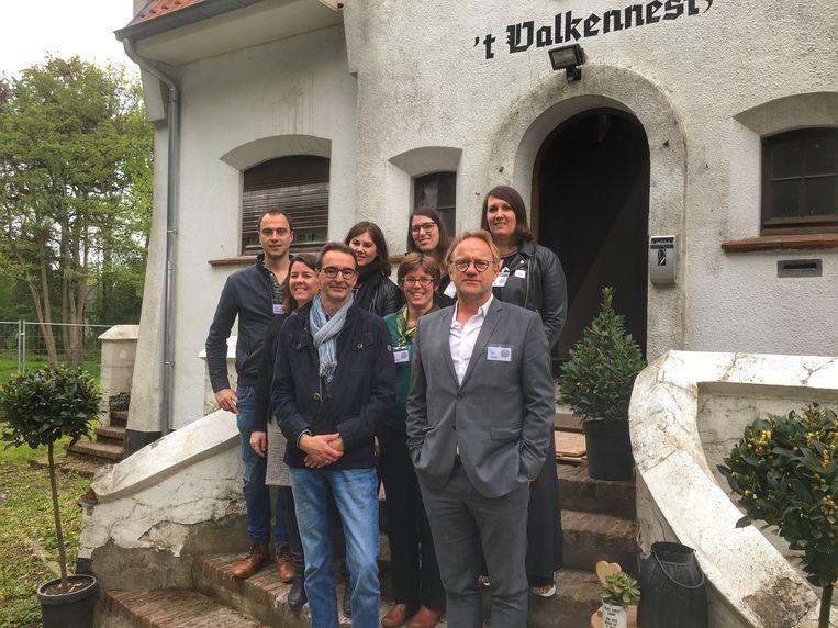 De leden van het organiserende comité achter 't Valkennest.