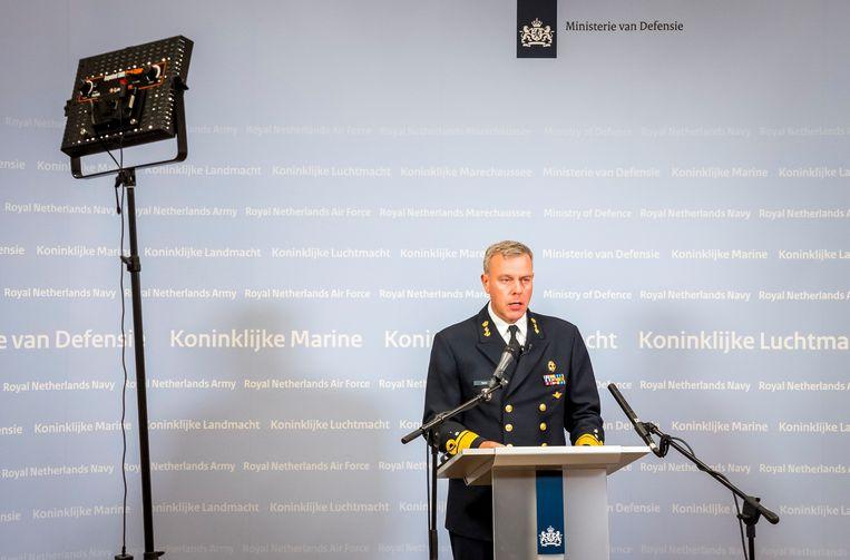 Luitenant-admiraal Rob Bauer Commandant der Strijdkrachten tijdens een persconferentie maandagochtend op het ministerie van Defensie. Beeld Hollandse Hoogte /  ANP