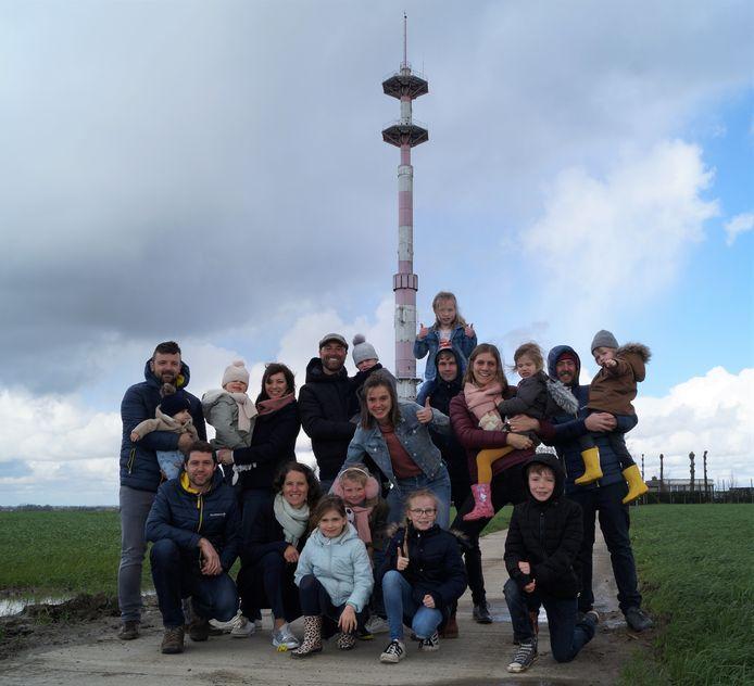 Vijf bevriende koppels organiseerden in de zomer van 2019 voor het eerst 'Radar Love' aan de radartoren in Lichtervelde