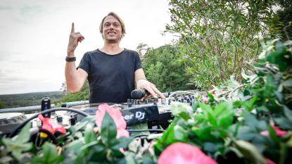 """""""Ik doe dit één keer, op vraag van Marc Coucke"""": Regi geeft enige optreden van de zomer op mini-Tomorrowland in Durbuy"""