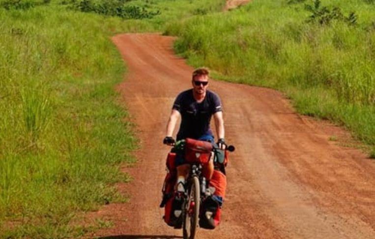 Jelle Veyt heeft 14.000 kilometer op de teller staan. In Congo was het allermoeilijkste stuk van de trip achter de rug, maar verder rijden kan nu niet meer.