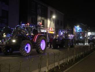 FOTOREEKS. Feeërieke tractorlichtstoet trekt door Ternat