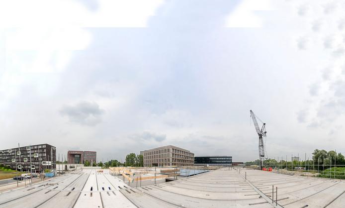 De bouw van bedrijfsverzamelgebouw Plus Ultra II op Wageningen Campus. Met op de achtergrond de gebouwen Plaza, Forum en Plus Ultra I (vlnr).