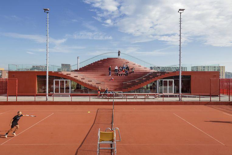 The Couch, clubhuis van tennisclub IJburg. Beeld BNA