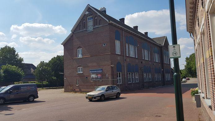 Het pand vanaf de Bosscheweg in Den Dungen.