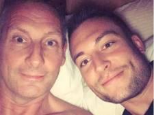Gert Verhulst stuurt schaars gekleed model (59) op slapende zoon af