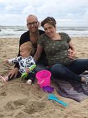 Dennis en Anke Verweijen met hun dochtertje Robin