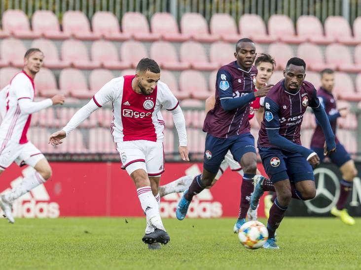 Siem de Jong maakt hattrick voor Ajax tegen Willem II in besloten oefenduel
