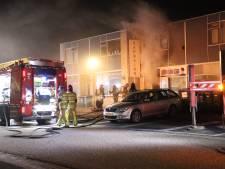 Brand in kapsalon aan de Jol in Lelystad: veel schade binnen