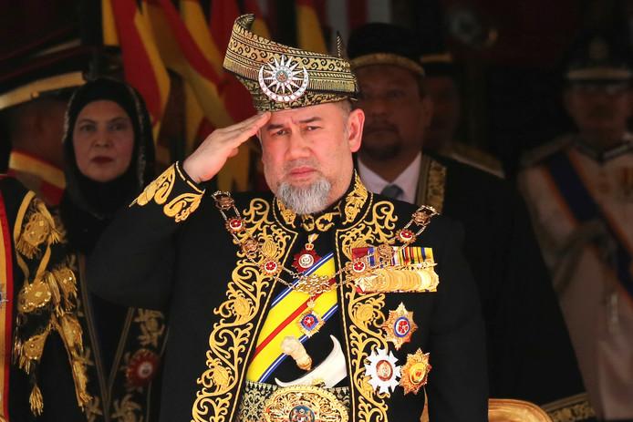 Sultan Muhammad V is toch maar gescheiden van zijn veel jongere echtgenote.