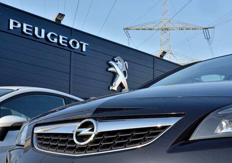 De Franse autogroep PSA omvat Peugeot, Citroën, Opel, Vauxhall en DS Automobiles. In 2016 produceerden ze ruim 3 miljoen voertuigen en werd een omzet gehaald van 54 miljoen euro.