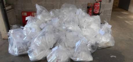 Britse grenspolitie geeft foto's vrij van mega-drugsvangst in truck chauffeur (32) Urk: 'Operatie duurde 12 uur'