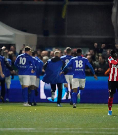 Betaald voetbal in Veenendaal? Dan moeten GVVV en DOVO eerst fuseren. En dat ligt behoorlijk gevoelig