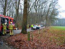 Auto vliegt in brand tijdens een ritje in Vorden