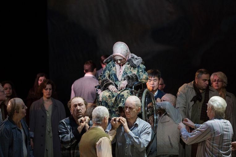 Een van de laatste repetities van De Parelvissers bij Opera Vlaanderen,  in de regie van collectief FC Bergman.  Beeld Ans Brys