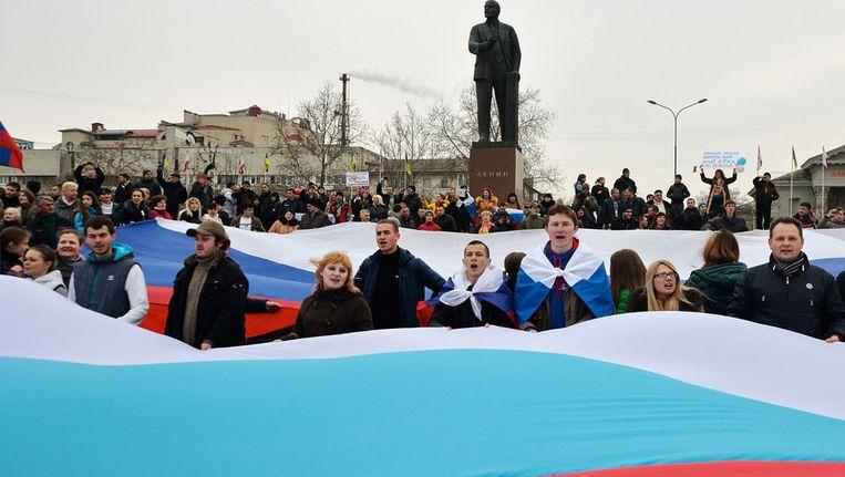 Pro-Russische betogers in Simferopol, de hoofdstad van de Krim. Beeld getty