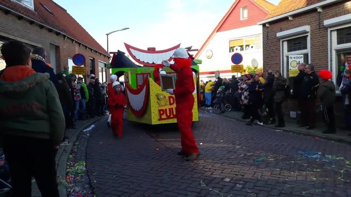 De carnavalsoptocht in Kwadendamme.