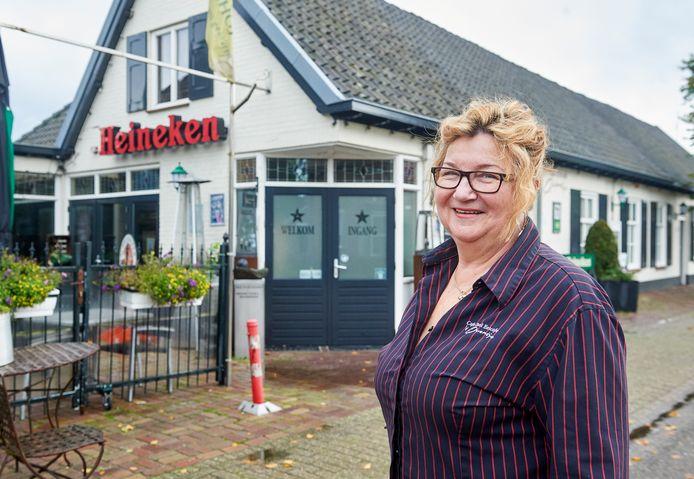 Het dorp van Trees Verstraten van café 't Oventje te Zeeland. Fotograaf: Van Assendelft/Jeroen Appels