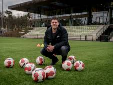 Hermans speelt nu Football Manager in de praktijk