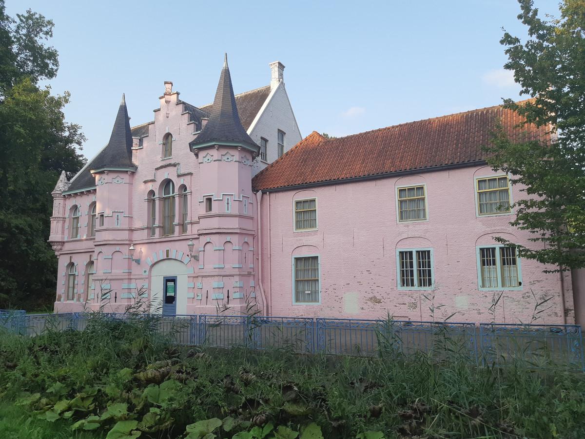Het Roze Kasteel op Landgoed Steenenburg in Drunen.