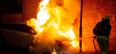 Brandstichting in nachtelijke uren in Arnhem: 15 auto's in 8 dagen aangestoken