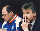 Guus Hiddink ziet het in Minsk somber in.