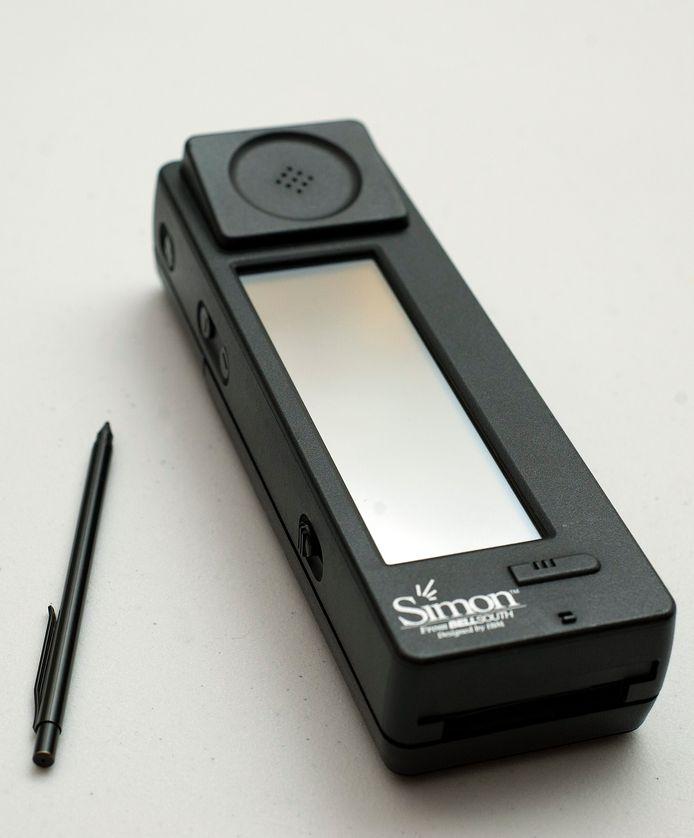 De IBM Simon: een 'baksteen' die gezien wordt als de eerste smartphone.