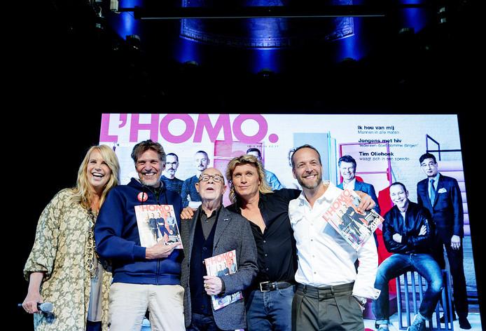 Linda de Mol, Erwin Olaf, Hans van Manen, Hans Klok en hoofdredacteur Iebele van der Meulen tijdens de presentatie van de tiende editie van L'HOMO.
